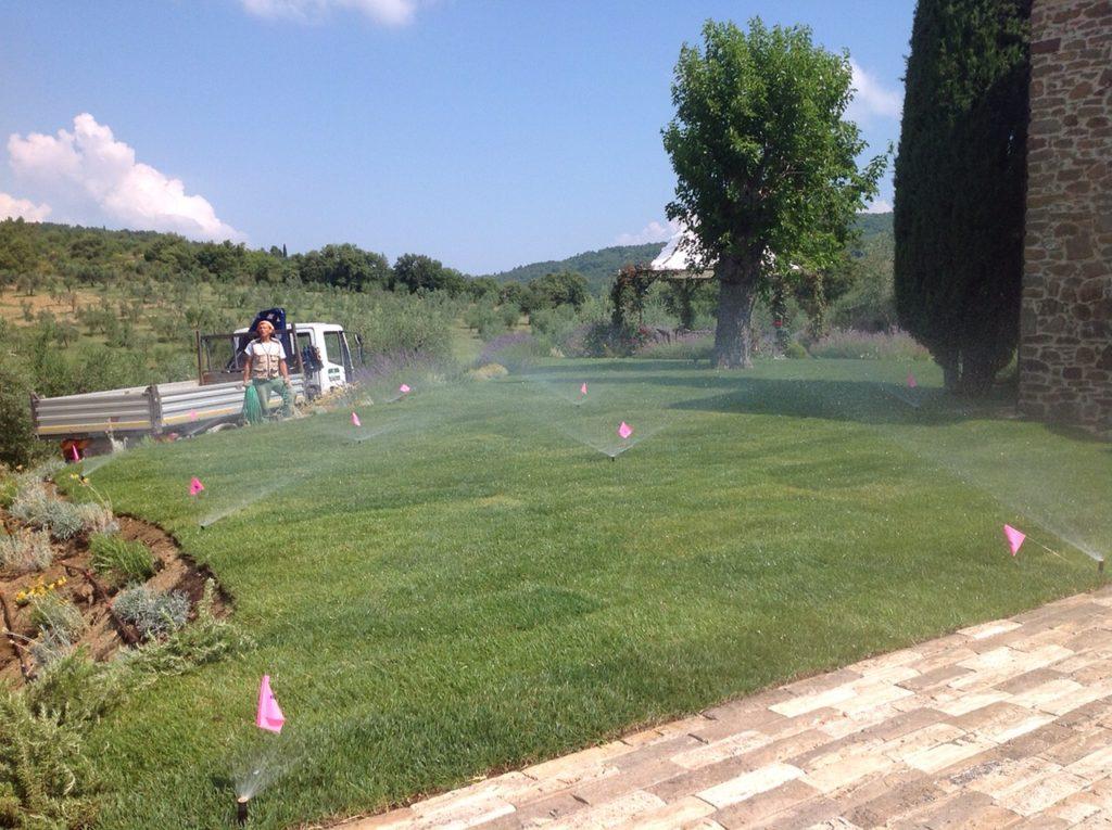 Sistemi d 39 irrigazione per giardini servizi sopra il muro for Sistemi di irrigazione