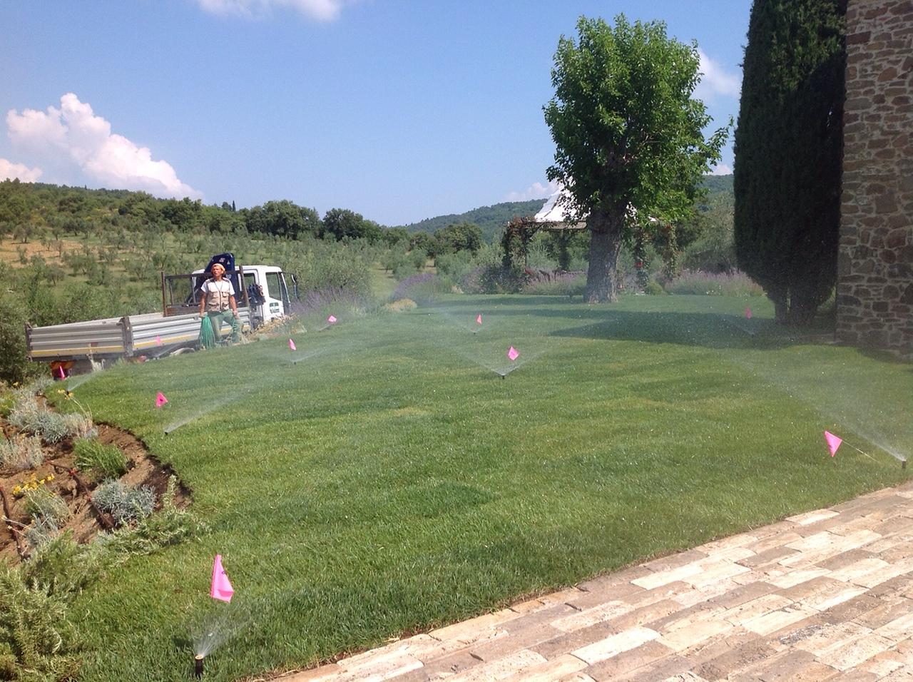 Sistemi D Irrigazione Per Giardini Servizi Sopra Il Muro